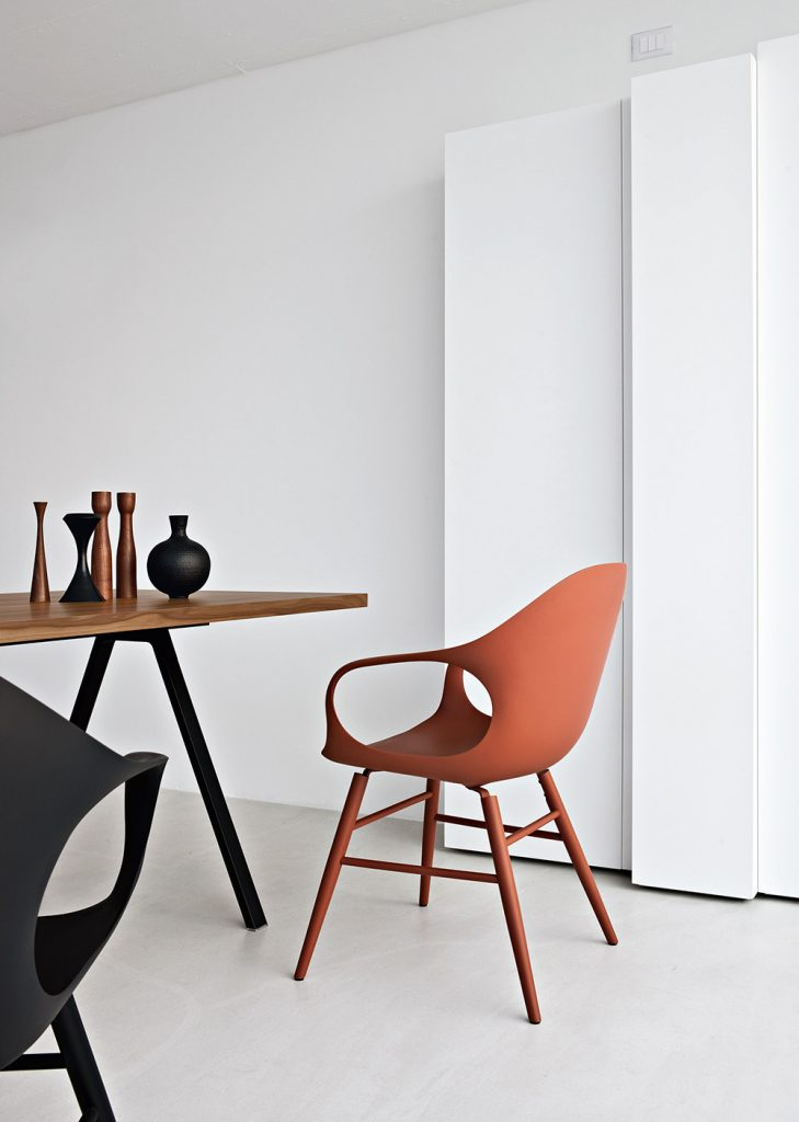 Sedie e tavoli design moderno rigolio arredamenti for Sedie e tavoli